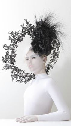 Hat by Philip Treacy from the Spring/ Summer 2014 collection. #millinery #judithm #hats