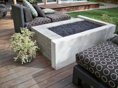 4 Delightful ideas: Fire Pit Propane How To Build rectangle fire pit decor.Fire Pit Wood How To Make large fire pit living spaces. Fire Pit Wall, Fire Pit Decor, Metal Fire Pit, Concrete Fire Pits, Concrete Dye, Bar Outdoor, Outdoor Fire, Outdoor Living, Outdoor Spaces