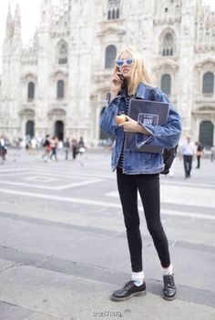 oversized denim jacket + skinny jeans