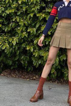 @pameluft in Preppy Skirt (Khaki) #preppyskirt #schoolgirl #tennisskirt #khaki #summeroutfits #schooloutfits #greenaesthetic #schoolaesthetic Preppy Skirt, Preppy Outfits, Preppy Style, Summer Outfits, Girl Outfits, Fashion Outfits, My Style, Preppy School Girl, School Girl Outfit