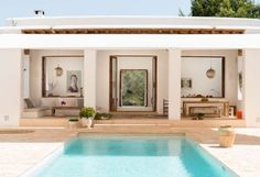 The fusion of Ibizan traditions with function, form, and taste is the hallmark of a Blakstad Ibiza house project. Outdoor Spaces, Outdoor Living, Outdoor Decor, Porch And Terrace, Modern Pools, Desert Homes, Courtyard House, Spanish House, Tropical Houses
