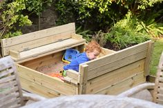 DIY sandpit or sandbox made of decking boards with lid folded out to create two benches Wooden Sandpit With Lid, Wooden Sandbox, Sandbox Sand, Kids Sandbox, Sand Pits For Kids, Baby Announcement Pictures, Kids Indoor Playground, Wendy House, Diy Bench