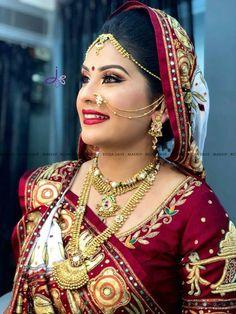 Image may contain: 1 person, closeup Indian Bridal Photos, Indian Bridal Outfits, Indian Bridal Fashion, Indian Wedding Jewelry, Bridal Jewelry, Desi Bride, Nath Bridal, Gujrati Wedding, Saree Wearing Styles