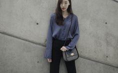 Seoul Fashion Week #seoulfashionweek#fashionweek#streetfashion#collection#seoul#fashion#chic#서울패션위크#스트릿패션#패션위크#체사레파치오티#cesarepaciotti#glam#rockchic#bag#luxury#luxurybrand