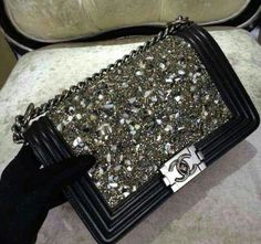 ✦⊱ɛʂɬཞɛƖƖą⊰✦ I would love to have this as my second most favorite Chanel bag in my closet