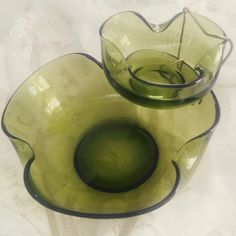 Vintage chips & dip anyone? Chic Shop, Country Chic, Serving Bowls, Dips, Tableware, Vintage, Sauces, Dinnerware, Tablewares