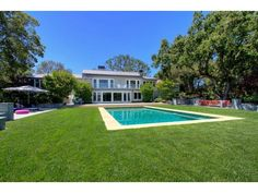 Flawless in-ground pool. Woodside, CA  $8,250,000
