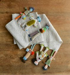 crocheted people edging - so fun, great idea
