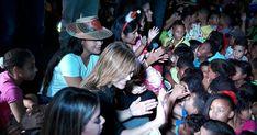 Alcaldía y Gobernación de La Guajira celebraron novena de Aguinaldos en la Comuna 10 http://www.hoyesnoticiaenlaguajira.com/2017/12/alcaldia-y-gobernacion-de-la-guajira.html