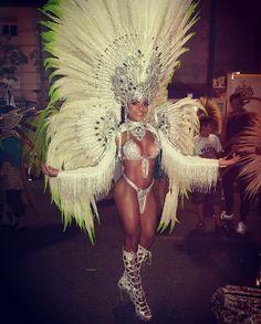 Carnival Dancers, Carnival Girl, Carnival Dress, Carnival Outfits, Rio Carnival, Carnival Themes, Carnival Signs, Carnival Decorations, Creepy Carnival