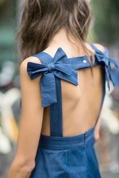 Backless Bows