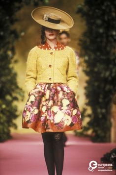 Christian Lacroix, Spring-Summer 1990, Couture | Christian Lacroix - Europeana Collections