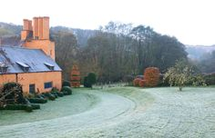 A Visit to Arne Maynard's Allt-y-bela - Lecture Benefit for the Madoo Conservancy