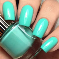 Try some of these designs and give your nails a quick makeover, gallery of unique nail art designs for any season. The best images and creative ideas for your nails. Color Verde Aqua, Turquoise Color, Cute Nails, My Nails, Bella Nails, Classy Nails, Pretty Nails, Nail Art Designs, Nail Design