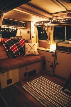 Slowly been fixing up my gfs uncles Westfalia, starting to look pretty cozy : CozyPlaces Volkswagen Westfalia Campers, Vw T3 Camper, Vw T3 Syncro, T3 Vw, Camper Life, Volkswagen Bus Interior, Camper Van, Motorhome Vintage, Combi Vw T2