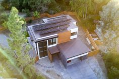 Stanford climate scientist builds  a net zero home.