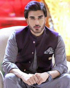 Pakistani Kurta Designs, Mens Kurta Designs, Pakistani Models, Pakistani Actress, Shadi Dress For Man, Dress Suits For Men, Men Dress, Wedding Dresses Men Indian, Wedding Dress Men