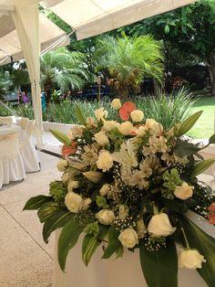 Centro de mesa para mesa de novios de  florería paraíso