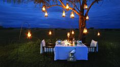 outdoor-dining-with-lanterns