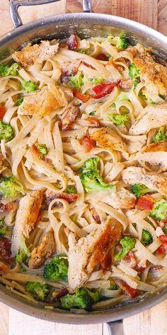 Fettuccine Alfredo with Chicken, Broccoli, and Bacon