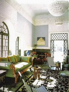 Yves Saint Laurent: Villa Oasis