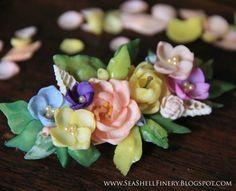 A hair clip made from Seashells! Absolutely gorgeous! seashellfinery.blogspot.com