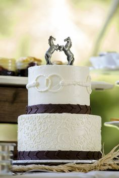 Wedding cake with horses and bits