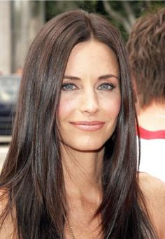 15 Modern and Stylish Medium Long Haircuts: Courteney Cox Ash Brown Hair Color, Red Hair Color, Cool Hair Color, Color Red, Level 4 Hair Color, Light Hair, Dark Hair, Chocolate Brown Hair Dye, Red Chocolate