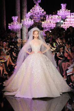 Najpiękniejsze suknie ślubne sezonu jesień / zima 2014! Cudowna kolekcja projektu Elie Saab na blogu Madame Allure!