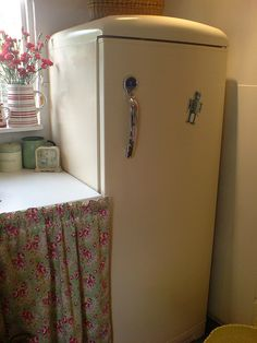 precious tiny cottage kitchen. This person's kitschy, retro style is right up my alley!