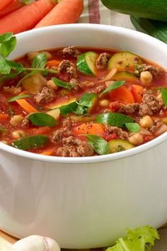 Blitz-Soup with Hack for detoxification – Diet & Weight Loss – bildderfrau.de Blitz-Soup with Hack for detoxification – Diet & Weight Loss – bildderfrau. Detox Recipes, Soup Recipes, Vegetarian Recipes, Dinner Recipes, Healthy Recipes, Law Carb, Detoxification Diet, Clean Eating Soup, Menu Dieta