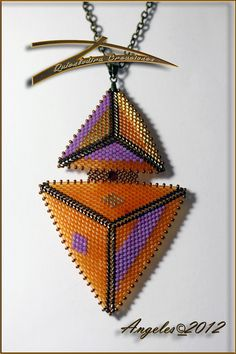 Triangles with Delica beads Beading Projects, Beading Tutorials, Beading Patterns, Flower Patterns, Seed Bead Jewelry, Seed Bead Earrings, Beaded Jewelry, Seed Beads, Necklaces