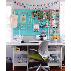 I want that peg board in my sewing room, love it!!!!