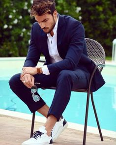 Mariano Di Vaio: Probably one of my fav combinations when I wear my sneakers with a tuxedo! Modern-chic and comfy Mens Business Casual Shoes, Men Casual, Mens Fashion Suits, Mens Suits, Style Masculin, Creative Shirts, Gq Style, Swag Style, Stylish Men