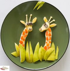 Healthy food giraffe - /sunpride/fruit-art/  BACK  over 500?  (Bananas, Apricots, Pears, Blueberries)