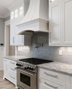 Awesome 50 White Kitchen Backsplash Design and Decor Ideas https://bellezaroom.com/2018/01/04/50-white-kitchen-backsplash-design-decor-ideas/