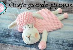 Oveja guarda pijamas a crochet - Patrones gratis, Oveja guarda pijamas a crochet - Patrones gratis VEJA MAIS patronesmil. Crochet Afghans, Crochet Afghan Stitch, Crochet Lovey, Crochet Diy, Crochet Amigurumi, Crochet Slippers, Crochet Dolls, Hand Knit Blanket, Knitted Blankets