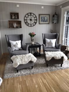 Cozy Formal Living Room Decor Ideas - Living Room Best Home Design Small Sitting Rooms, Sitting Room Decor, Living Room Chairs, Living Room Interior, Home Living Room, Decor Room, Living Room Designs, Bedroom Decor, Home Decor