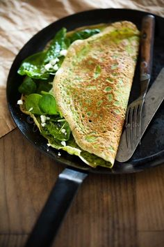 Thin Green Spinach and Herb Omelettes | Flourless Cr�pes via gourmandeinthekit...