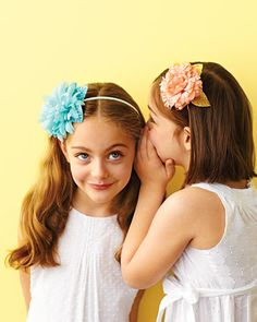 You can DIY these headbands that won't wilt by reception.