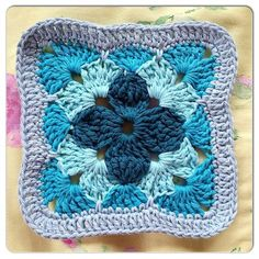 Quest Square 11.. Free pattern!