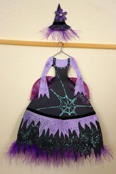 Bonggamom Finds: Bonggamom's Klutz paper fashion creations