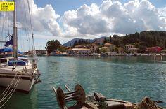 The harbor of Lygia #lefkadaslowguide #lefkadazin #lefkada #harbour #boats #calmness #skyporn #beauty #chill #village