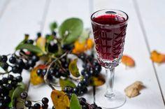 Рецепты настоек на черноплодной рябине в домашних условиях. Простые настойки из черноплодки на водке, спирту, самогоне и коньяке.