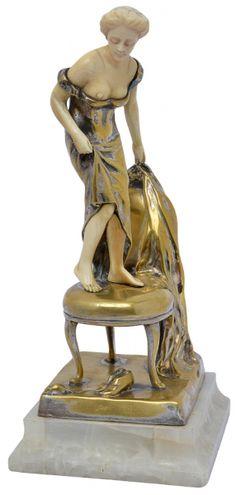 Peter Tereszczuk (1875-1963) Austria. Escultura de bronze dourado e marfim, cerca de 1915.