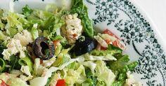 Griekse salade met groene savooikool