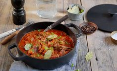 Stifado Iron Pan, Paella, Curry, Ethnic Recipes, Kitchen, Food, Curries, Cooking, Kitchens