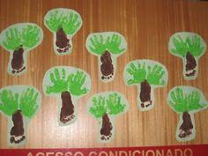 atividade arte pintura  para o dia da arvore 21 de setembro, Educação Infantil Toddler Crafts, Toddler Activities, Crafts For Kids, Infant Room Daycare, Go Green, Art School, Baby Room, Art For Kids, Techno