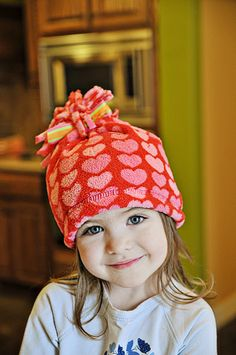 3-minute no sew fleece hat (from PJ pants!)