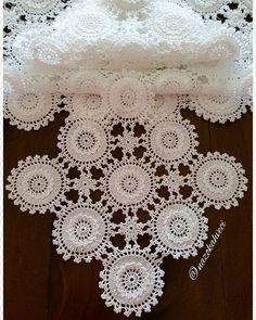 Free, Easy Crochet Sweater Pattern - A Cardigan Made from 2 Hexagons! Thread Crochet, Filet Crochet, Crochet Motif, Crochet Patterns, Diy Crafts Crochet, Crochet Home, Easy Crochet, Lace Doilies, Crochet Doilies